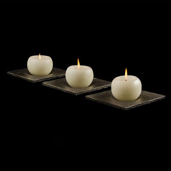 Klaus Unterrainer | Kerzenhalter | aus einem 10 mm starken Eisenblech von Hand geschmiedet | 14,5 x 14,5 cm | ca. 1.270 g | Kunsthandwerk im Artenreich-Onlineshop
